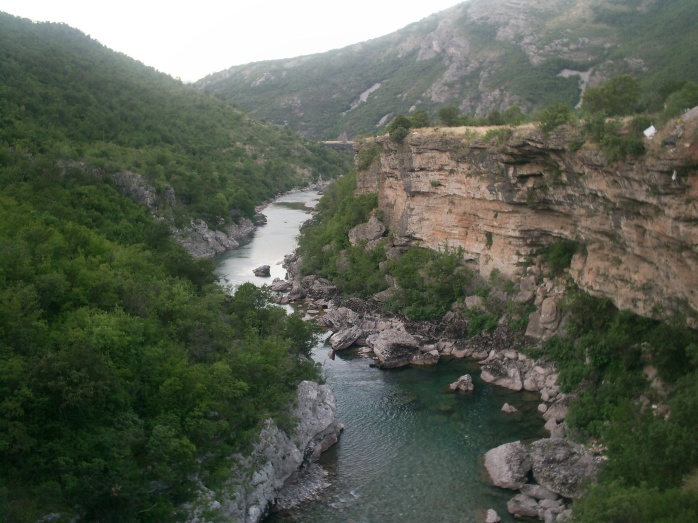 Moraca_River_Canyon.jpg